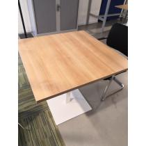 Trompetvoet tafel 80x80cm