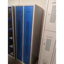 Locker kledingkast 2 deurs met plint smal